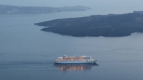 Greece-Santorini-Cruise-Ship-Leaving