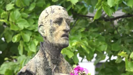 Irland-Dublin-Hungersnot-Denkmal-Hungernder-Mann-Vergrößern