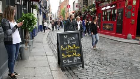 Ireland-Dublin-Temple-Bar-Girl-With-Cell-Phone