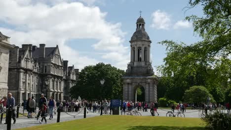 Ireland-Dublin-Trinity-College-Students-Walking-Between-Classes