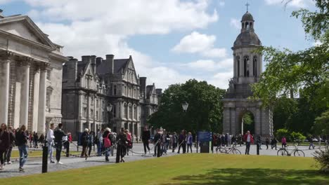 Ireland-Dublin-Trinity-College-With-Students-Time-Lapse