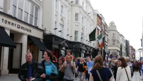 Ireland-Dublin-Street-With-Shoppers