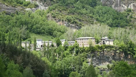 Spain-Pyrenees-High-Village-On-Mountain-Ledge
