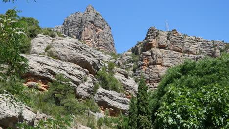 Spain-Pyrenees-Rocky-Cliffs