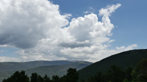 Spain-Cumulus-Clouds-In-The-Prepyrenees