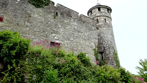 Ireland-Cahir-Castle-With-Strong-Walls-And-Tower