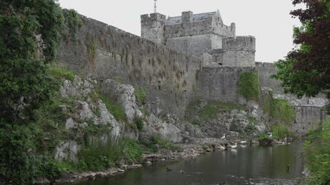 Ireland-Cahir-River-With-Castle-Tower