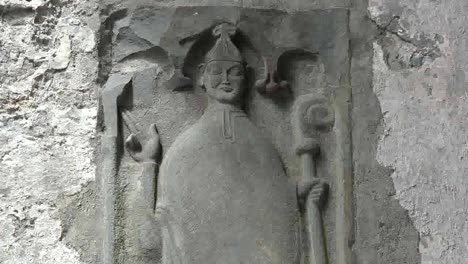 Ireland-Corcomroe-Abbey-Carving-Of-Churchman-