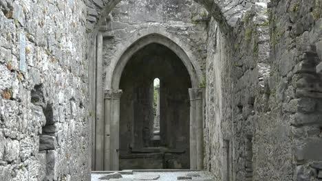 Ireland-Corcomroe-Abbey-Looking-Toward-Gothic-Arches-Zoom-In