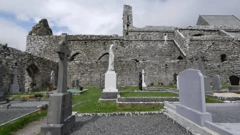 Ireland-Corcomroe-Abbey-With-Cemetery