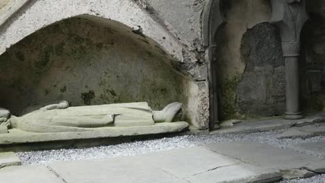 Ireland-Corcomroe-Abbey-With-Effigy-Figure-Of-King-In-Niche-Pan