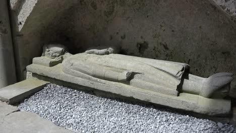 Irlanda-Corcomroe-Abadía-Con-Efigie-Figura-Del-Rey