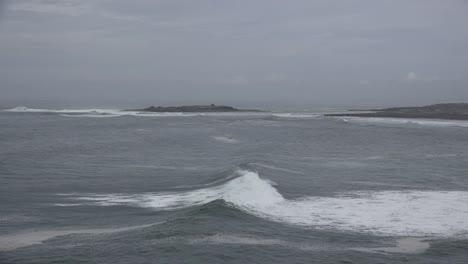 Ireland-County-Clare-Coastal-Waves-Rolling