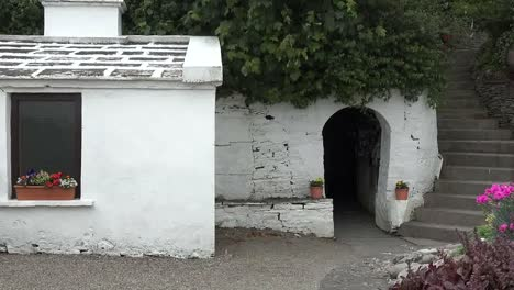 Ireland-County-Clare-Entry-To-St-Brigids-Holy-Well-Pan