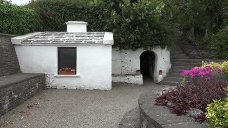 Entrada-Del-Condado-De-Irlanda-Clare-A-St-Brigids-Holy-Well