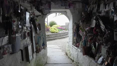Irland-County-Clare-Mit-Blick-Von-St-Brigids-Holy-Wellid
