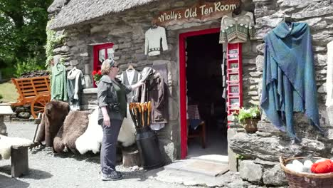 Ireland-County-Kerry-Tourist-Shopping-For-Crafts