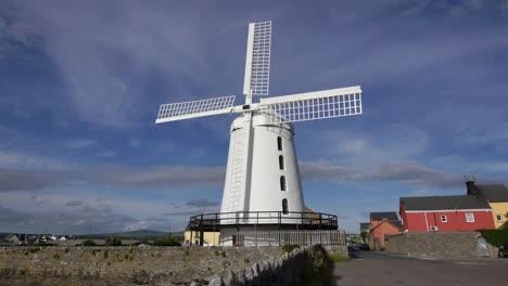 Ireland-Dingle-Blenner-White-Windmill