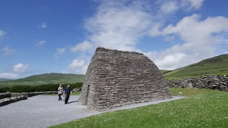 Ireland-Dingle-Gallarus-Oratory-With-Two-People