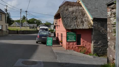 Ireland-Dingle-Peninsula-Cloghane-Village-Thatched-Roof-Cottage