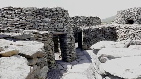Ireland-Dingle-Peninsula-Bee-Hive-Stone-Huts