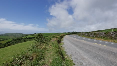 Ireland-Dingle-Peninsula-Highway-With-Cars