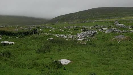 Ireland-Dingle-Peninsula-Megalithic-Site