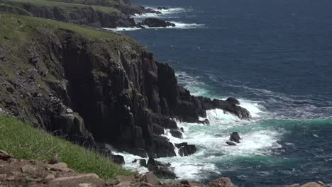 Ireland-Dingle-Coastal-Waves-Hitting-Cliffs