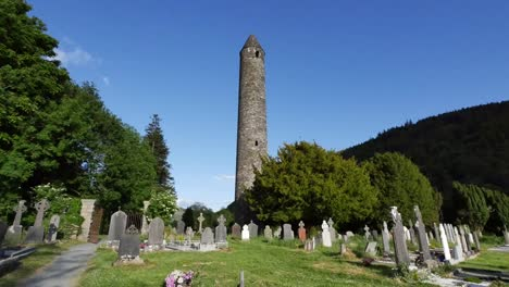 Ireland-Glendalough-Celtic-Monastery-With-Round-Tower