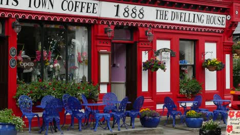 Ireland-Portmagee-Coffee-Shop-With-Blue-Chairs
