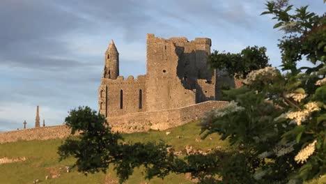 Ireland-Rock-Of-Cashel-Good-Evening-Light-Zoom-In