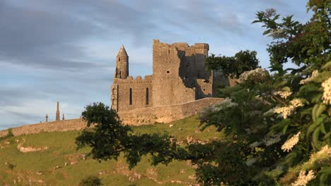 Ireland-Rock-Of-Cashel-Good-Evening-Light