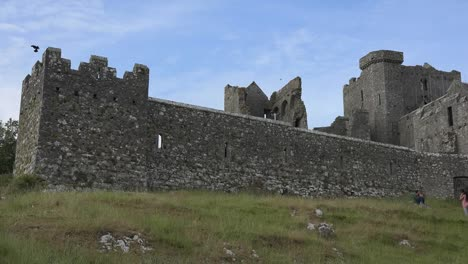 Ireland-Rock-Of-Cashel-View-From-Below