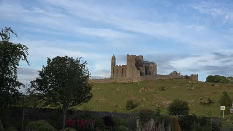 Ireland-Rock-Of-Cashel-Zoom