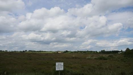 Irland-Clara-Moor-Unter-Geschwollenen-Wolken