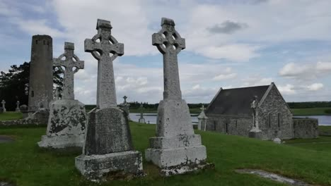 Ireland-Clonmacnoise-Celtic-Crosses-At-A-Sacred-Site-Pan-And-Zoom