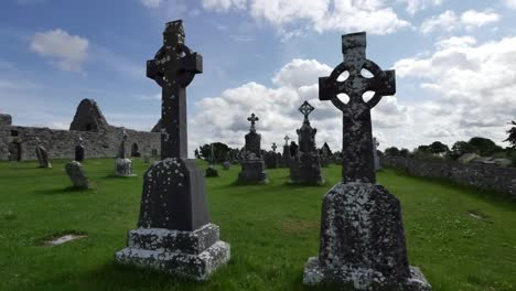 Ireland-Clonmacnoise-Celtic-Crosses-Stand-Out-Against-The-Sky
