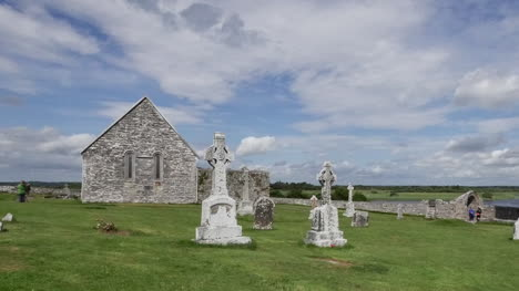 Ireland-Clonmacnoise-Temple-Connor-And-Mccarthys-Tower-Pan