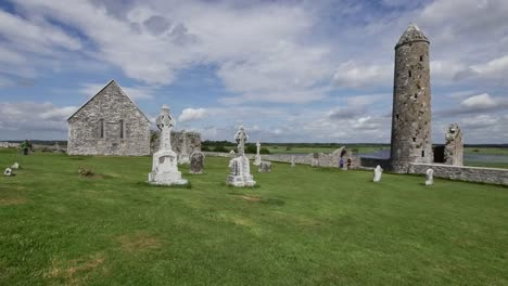 Ireland-Clonmacnoise-Temple-Connor-And-Mccarthys-Tower