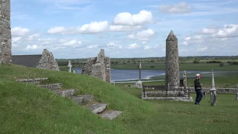 Ireland-Clonmacnoise-A-Round-Tower-Stands-By-The-Shannon-River