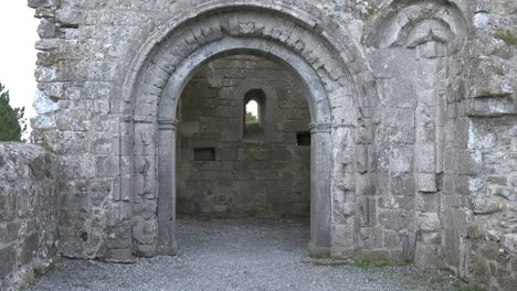 Ireland-Clonmacnoise-An-Arch-Leads-To-The-Interior-Of-A-Chapel