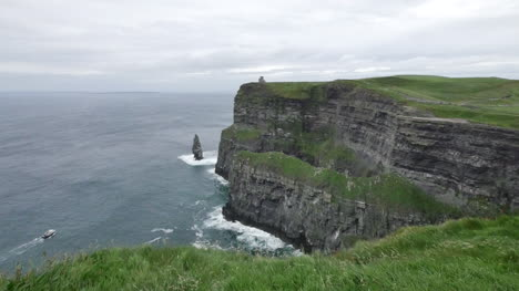 Ireland-County-Clare-Cliffs-Of-Moher-With-Boat