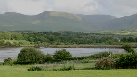 Ireland-County-Clare-Mountains-Beyond-The-Sea