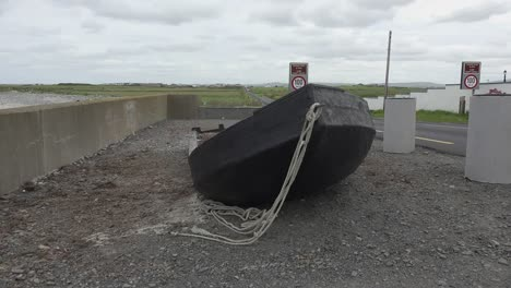 Ireland-County-Clare-Traditional-Boat