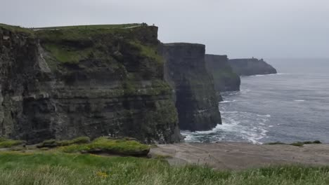 Ireland-County-Clare-View-All-Along-Cliffs-Of-Moher-Pan