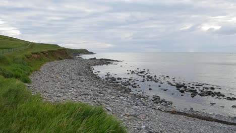 Ireland-County-Sligo-Atlantic-Pebble-Beach