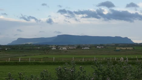 Ireland-County-Sligo-Benbulbin-In-The-Distance
