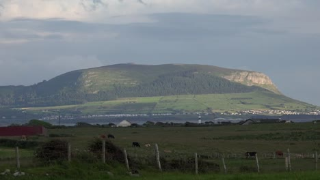 Ireland-County-Sligo-The-Round-Dome-Of-Knocknarea