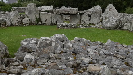 Ireland-Creevykeel-Court-Tomb-Near-Mullaghmore