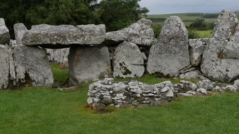 Ireland-Creevykeel-Court-Tomb-With-Big-Stones